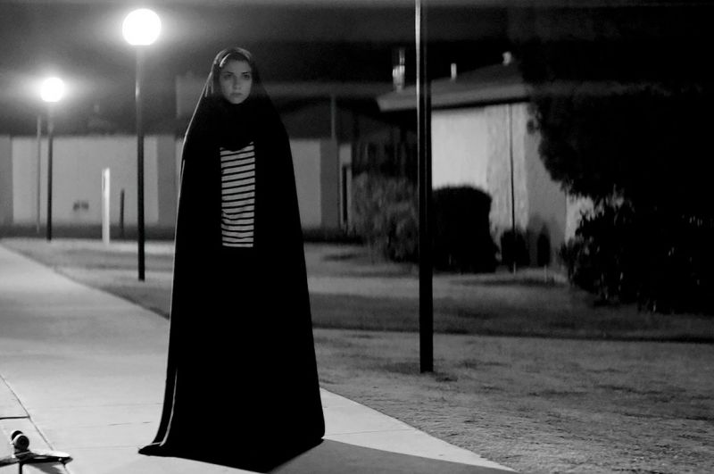 A Girl Walks Home Alone at Night (USA 2014)